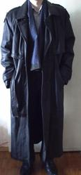 дешево мужской кожаный плащ в отличном состоянии